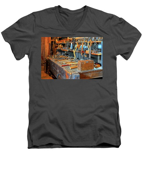 Antique Tool Bench Men's V-Neck T-Shirt