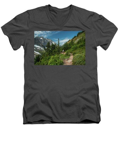 Approaching Sahale Arm Men's V-Neck T-Shirt