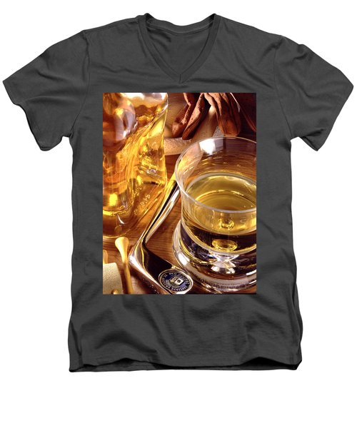 Apres Golf Men's V-Neck T-Shirt