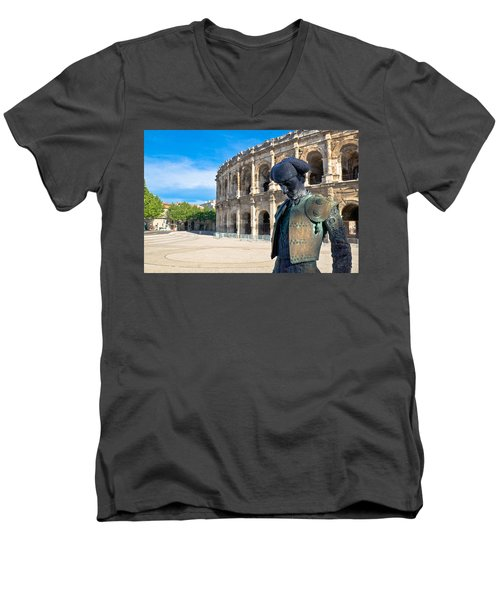 Arenes De Nimes Bullfighter Men's V-Neck T-Shirt