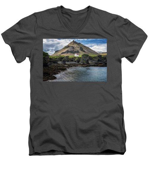 Arnarstapi House Men's V-Neck T-Shirt