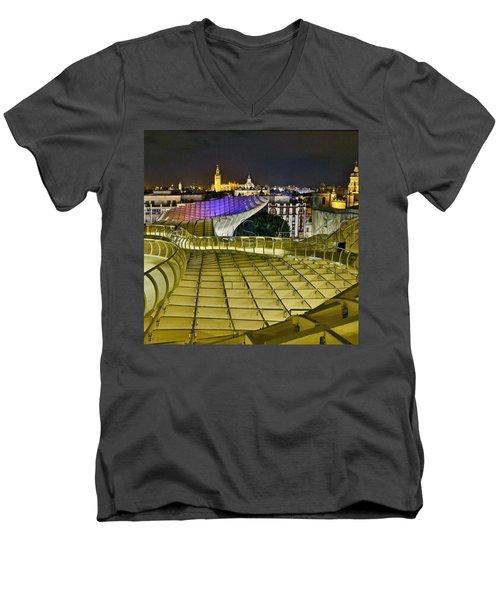 Arriba Las Setas De #sevilla Men's V-Neck T-Shirt
