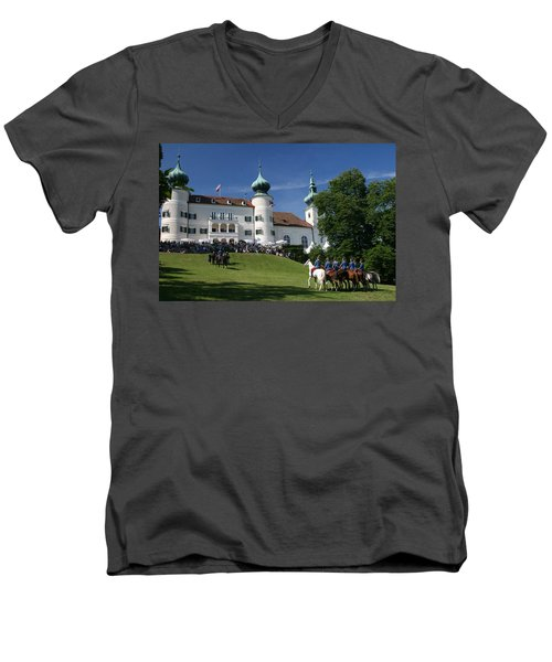 Artstetten Castle In June Men's V-Neck T-Shirt