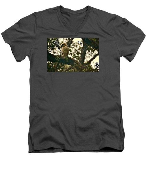 Io - Hawaiian Hawk Men's V-Neck T-Shirt