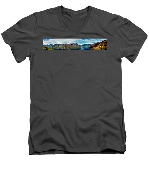 Aurlandsfjorden Panorama Revisited Men's V-Neck T-Shirt