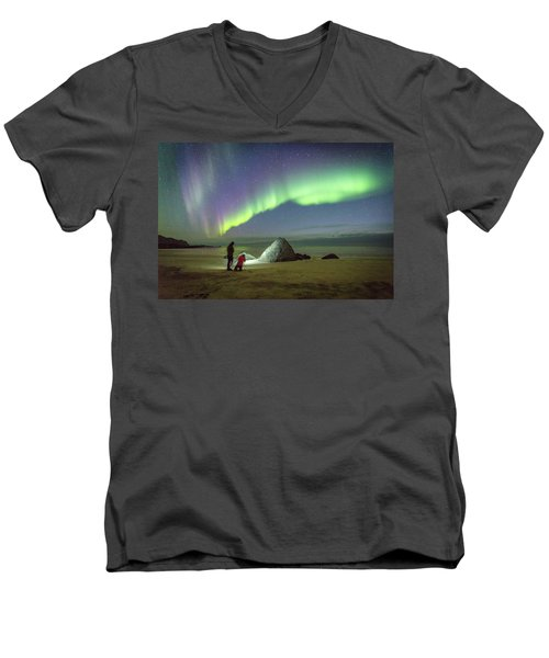 Aurora Photographers Men's V-Neck T-Shirt