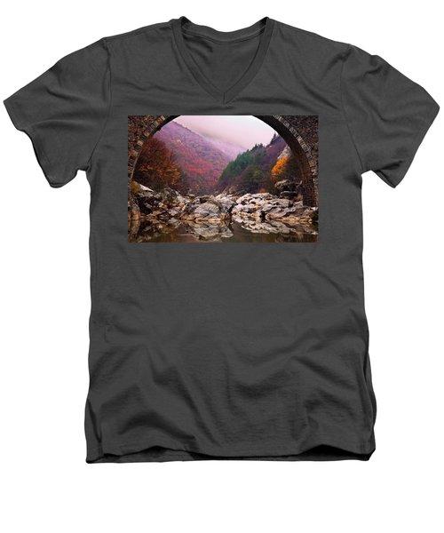 Autumn Gate Men's V-Neck T-Shirt
