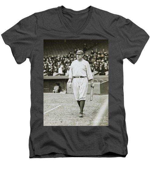 Babe Ruth Going To Bat Men's V-Neck T-Shirt