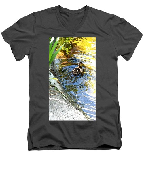 Baby Duck Men's V-Neck T-Shirt