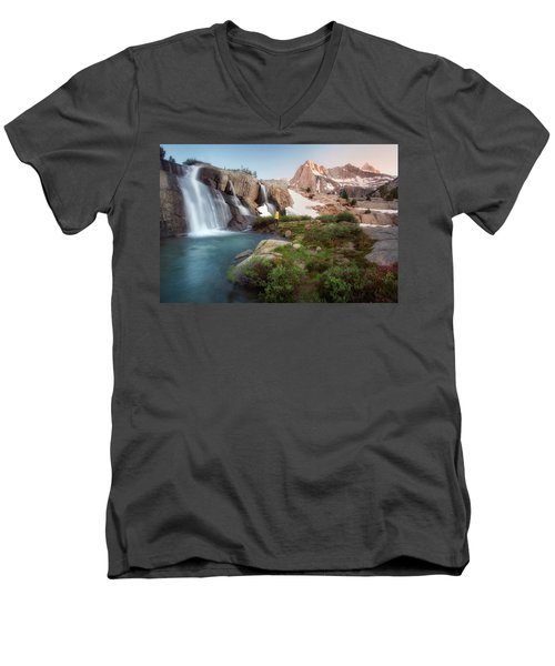 Backcountry Views Men's V-Neck T-Shirt