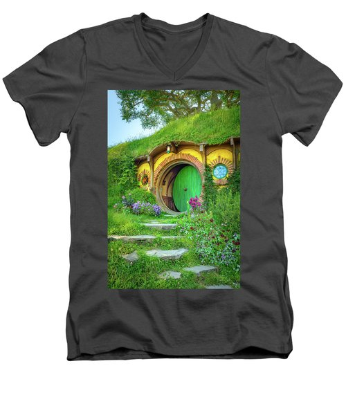 Bag End Men's V-Neck T-Shirt