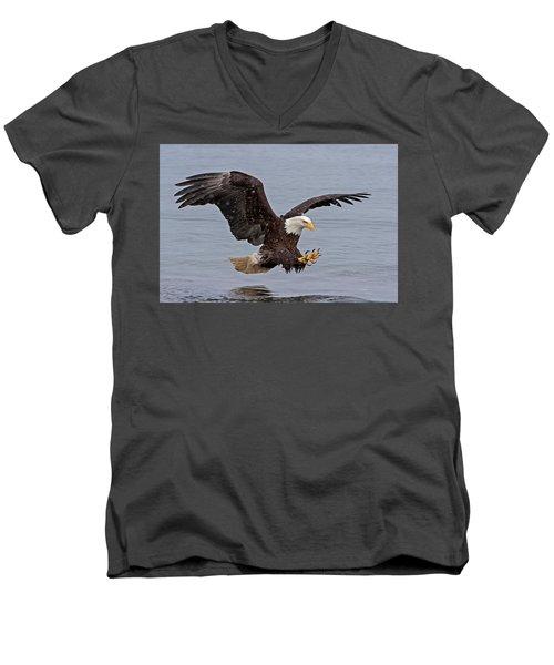 Bald Eagle Diving For Fish In Falling Snow Men's V-Neck T-Shirt
