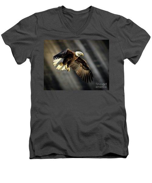 Bald Eagle Prepares To Dive Men's V-Neck T-Shirt