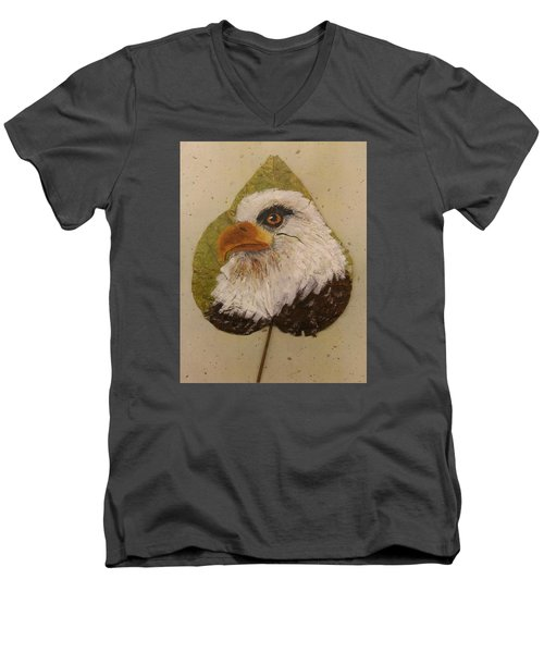 Bald Eagle Side Veiw Men's V-Neck T-Shirt