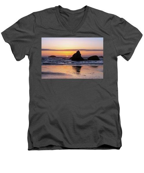 Bandon Glows Men's V-Neck T-Shirt