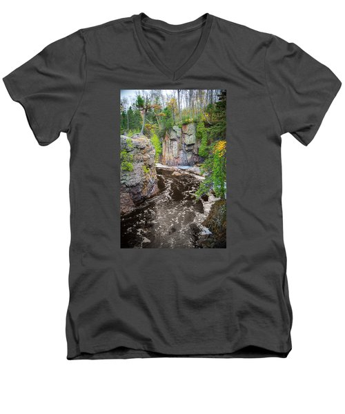 Baptism River In Tettegouche State Park Mn Men's V-Neck T-Shirt