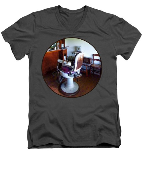 Barber - Old-fashioned Barber Chair Men's V-Neck T-Shirt