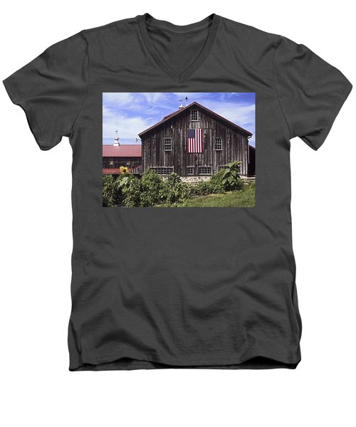Barn And American Flag Men's V-Neck T-Shirt
