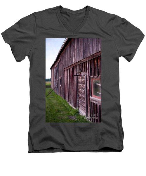 Barn Door Small Men's V-Neck T-Shirt