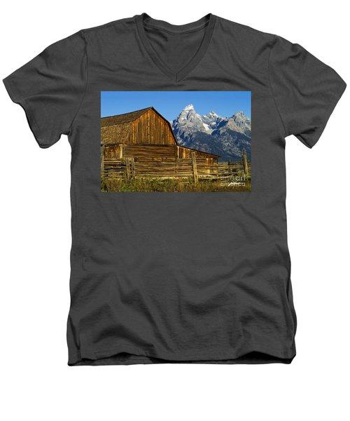 Barn On Mormon Row Men's V-Neck T-Shirt