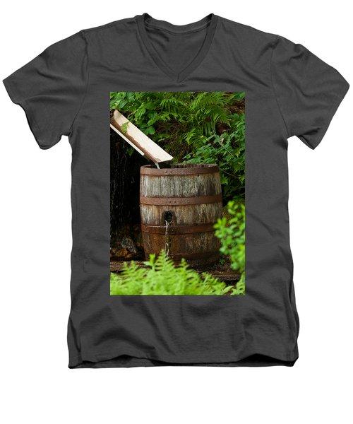 Barrel Of Water Men's V-Neck T-Shirt