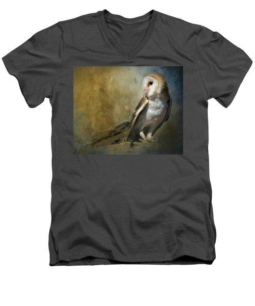 Bashful Barn Owl Men's V-Neck T-Shirt