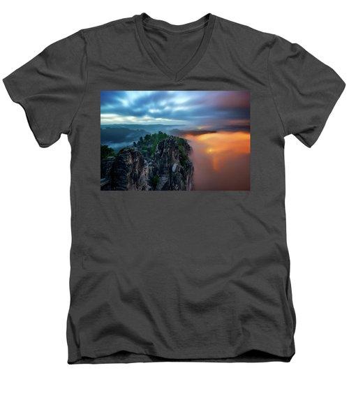 Bastei Bridge Night View, Saxon Switzerland, Germany Men's V-Neck T-Shirt