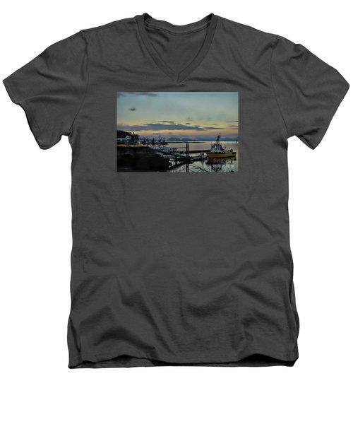 Bay View Men's V-Neck T-Shirt