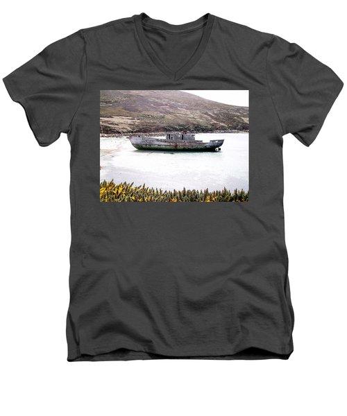 Beached Beauty Men's V-Neck T-Shirt