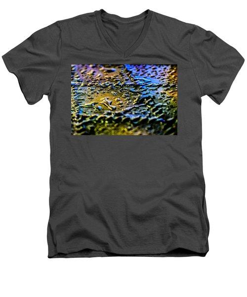 Beaded Water Texture Men's V-Neck T-Shirt