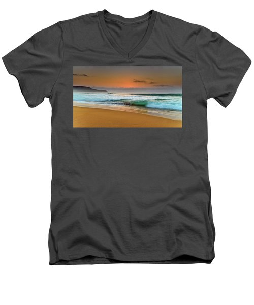 Beautiful Hazy Sunrise Seascape  Men's V-Neck T-Shirt