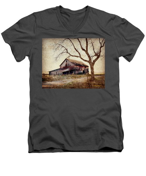 Beautiful Red Barn-near Ogden Men's V-Neck T-Shirt