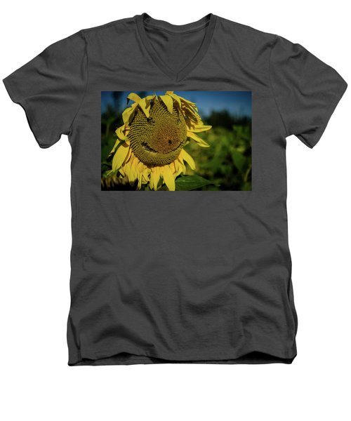 Bee Smiling Sunflowers Men's V-Neck T-Shirt