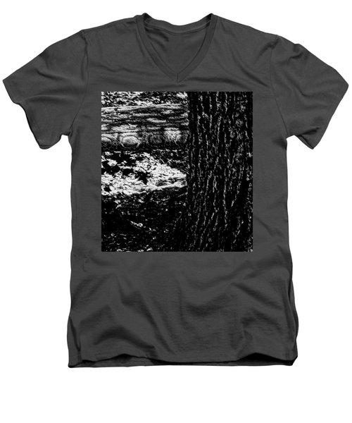 Bench Loves Tree Men's V-Neck T-Shirt