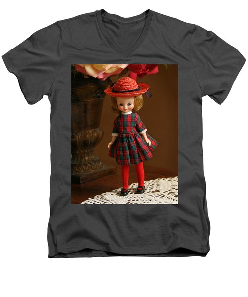 Betsy Doll Men's V-Neck T-Shirt