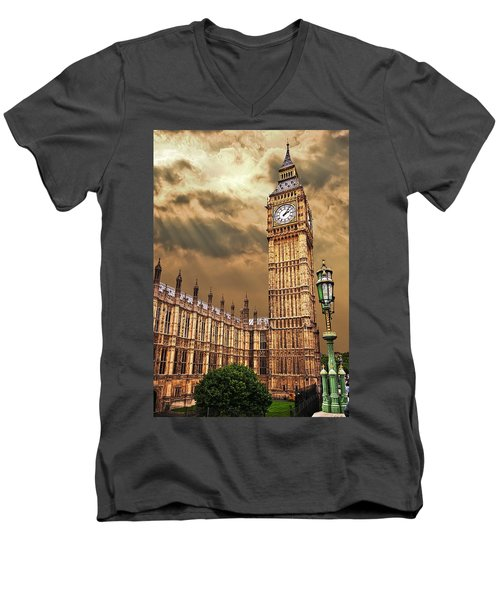 Big Ben's House Men's V-Neck T-Shirt