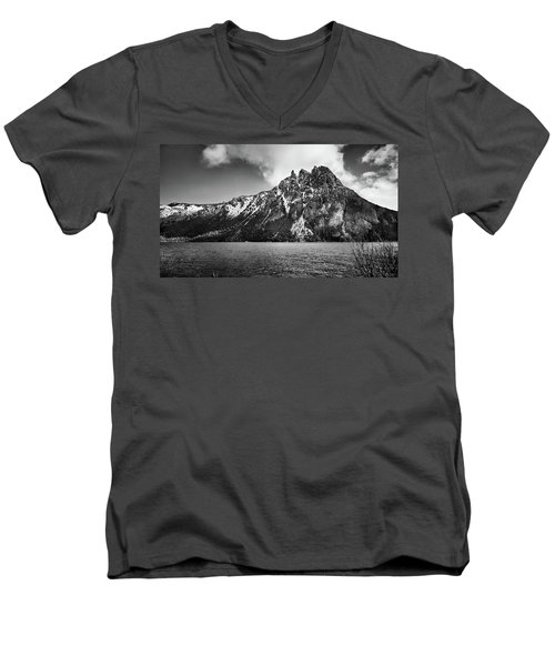 Big Snowy Mountain In Black And White Men's V-Neck T-Shirt