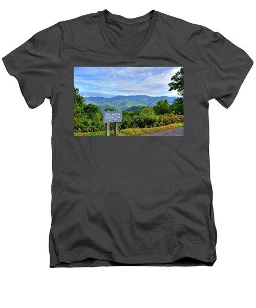 Big Witch Men's V-Neck T-Shirt