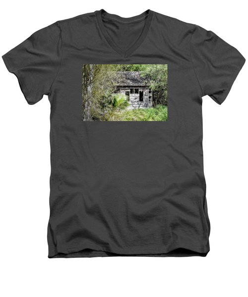 Bird Blind At Frontera Audubon Men's V-Neck T-Shirt