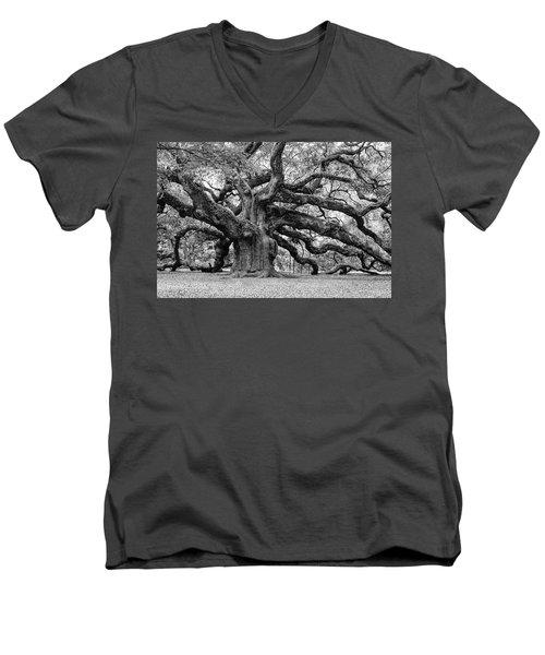 Black And White Angel Oak Tree Men's V-Neck T-Shirt