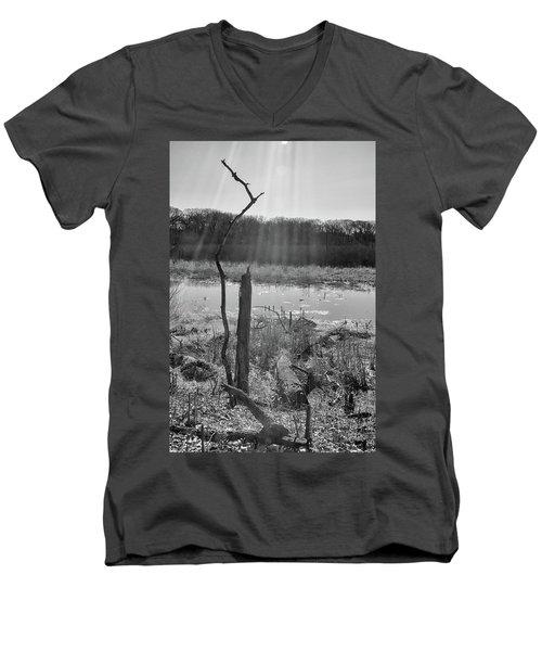 Black And White Bog Men's V-Neck T-Shirt