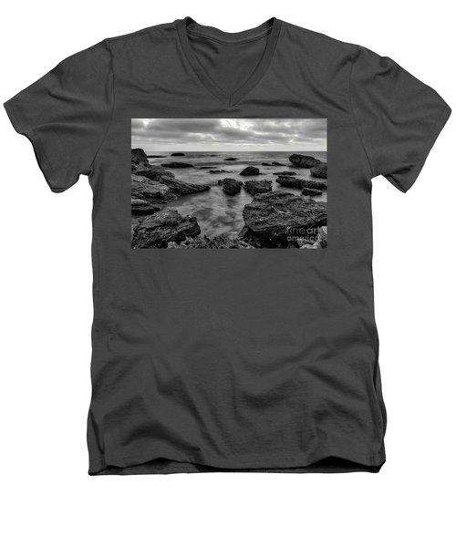 Black And White Sunset At Low Tide Men's V-Neck T-Shirt