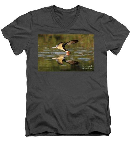 Black Skimmer Fishing Men's V-Neck T-Shirt