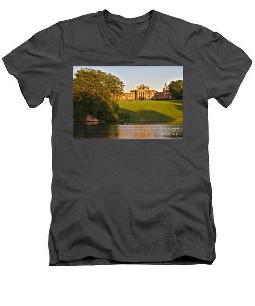 Blenheim Palace And Lake Men's V-Neck T-Shirt