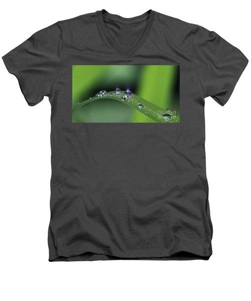 Blue Light On The Droplets Men's V-Neck T-Shirt