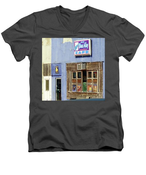 Blues Alley, Clarksdale Men's V-Neck T-Shirt