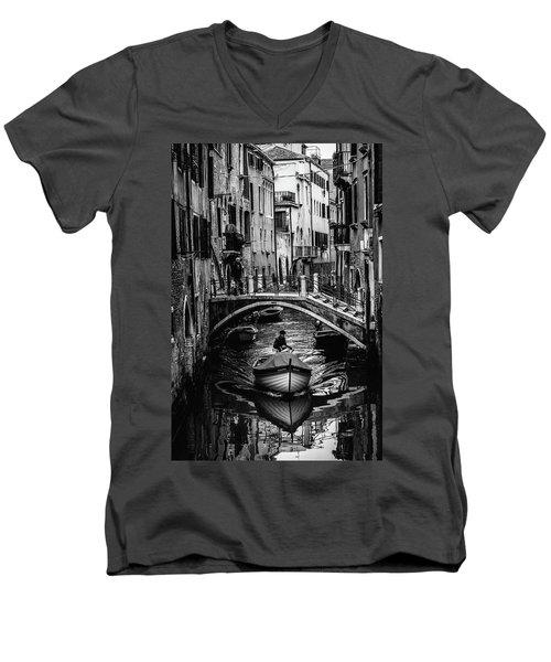Boat On The River-bw Men's V-Neck T-Shirt