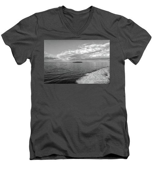 Boat Wake On Florida Bay Men's V-Neck T-Shirt