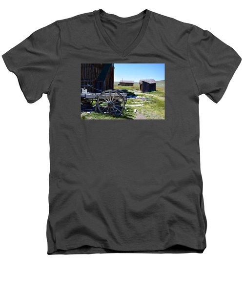 Bodie Wagon Men's V-Neck T-Shirt
