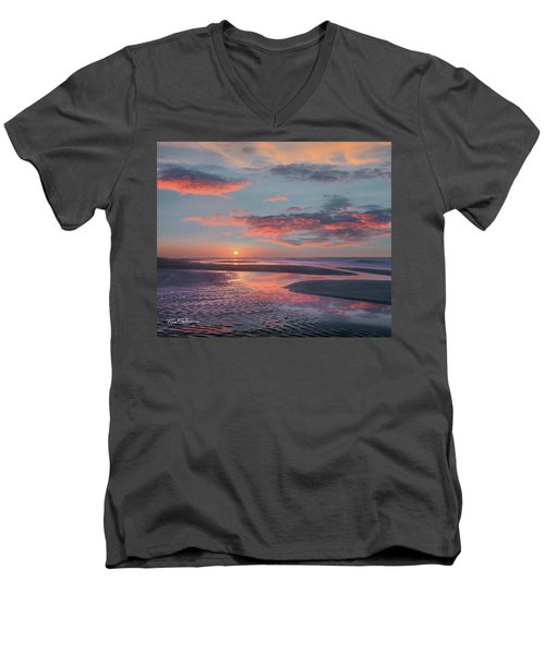Bolivar Flats, Texas Men's V-Neck T-Shirt